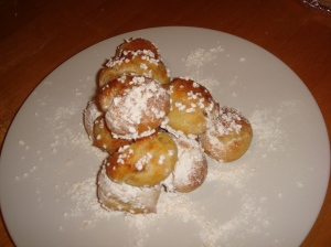 Tower of song (chouquettes)