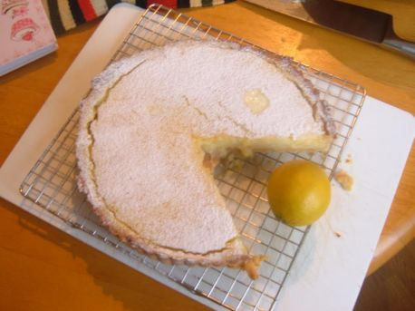 Tarte au citron, dressed as Pac Man