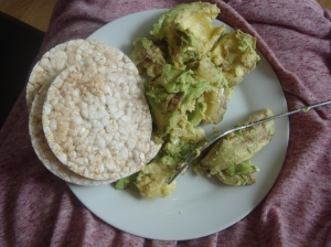 Rice cakes and avocado