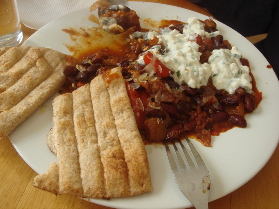 You can serve this with all sorts of extras - pictured with flatbreads (not homemade) and cottage cheese
