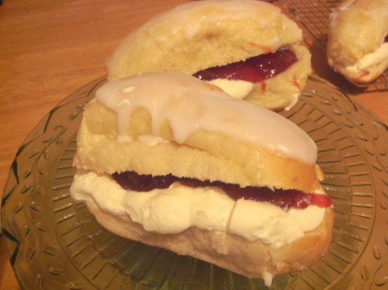 Iced fingers - nulging with cream!