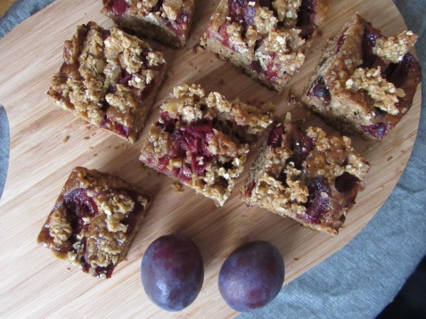 Plums and oat traybake