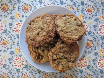 Bowlful of oatmeal raisin cookies