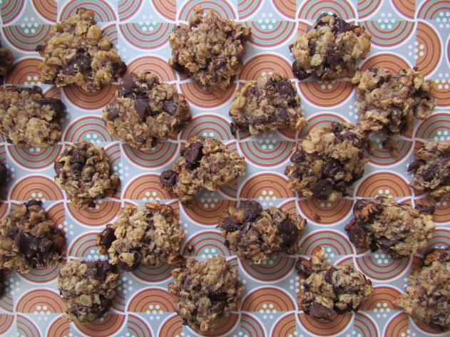 Banana, oat and chocolate no-sugar-added cookies