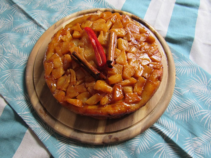 Pineapple tarte tartin
