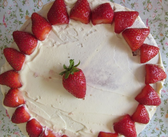 Strawberry mousse almond cream cake